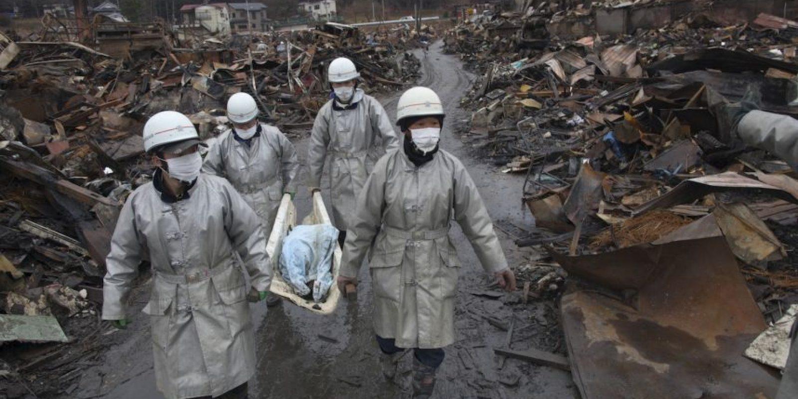 5. Se estima que más de 20 mil personas perdieron la vida tras el terremoto y el tsunami. Foto:Getty