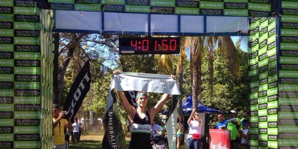 Atleta nacional triunfa en El Salvador