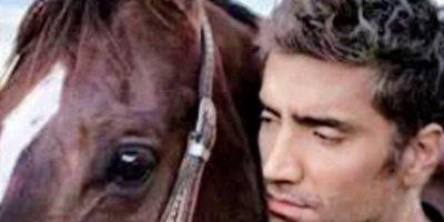 En 1992 debutó con un disco que reportó ventas inusuales para el género ranchero Foto:Instagram Alejandro Fernández