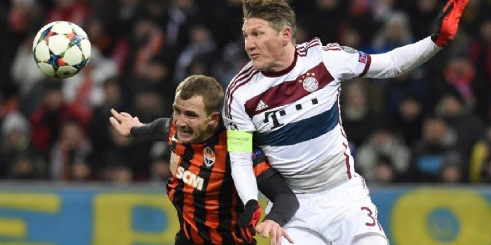El futbolista alemán alentó al pequeño seguidor a seguir con su aseo personal. Foto:AFP
