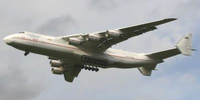 Antonov An-225. Envergadura: 88,4 metros Foto:Wikimedia