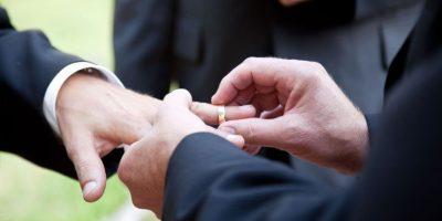 Insólito. Dos hombres condenados por homofobia se conocen en prisión y se casan
