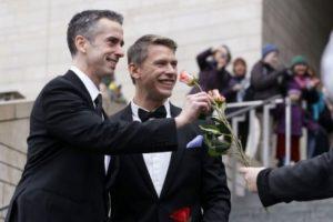 Aprueban matrimonos gay en Reino Unido Foto:Agencias
