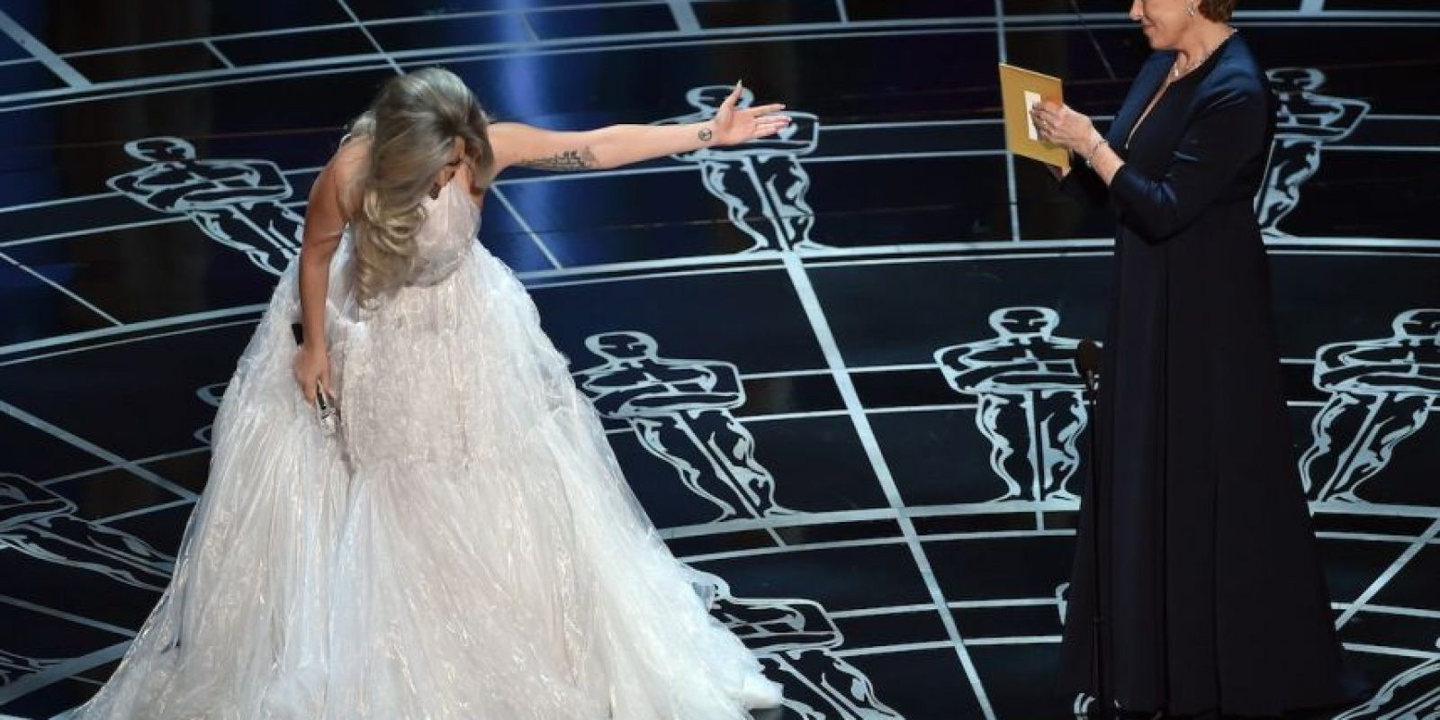 Lady Gaga y Julie Andrews en los Oscar 2015 Foto: Getty Images