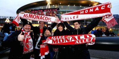 Los hinchas del Mónaco confían en su equipo y viajaron a la capital inglesa para apoyarlos. Foto:Getty Images