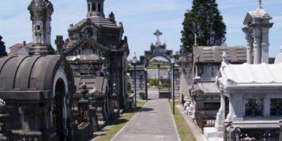 6. En el cementerio Foto:Pixabay