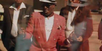 "Versión de ""Oldtown Funk"" Foto:YouTube/alex boye"