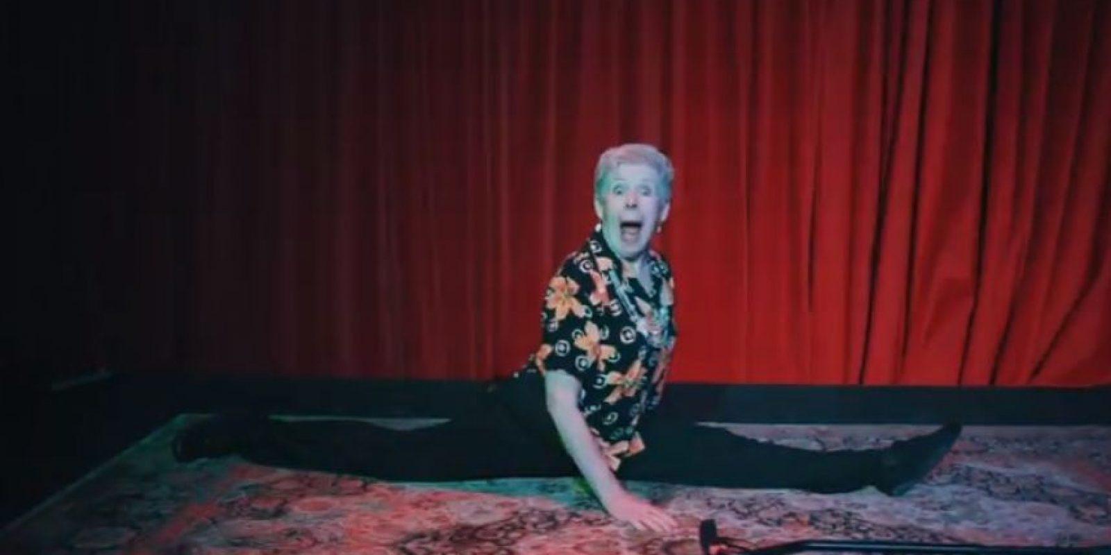 Esta mujer tiene 92 años y miren lo que puede hacer Foto:YouTube/alex boye