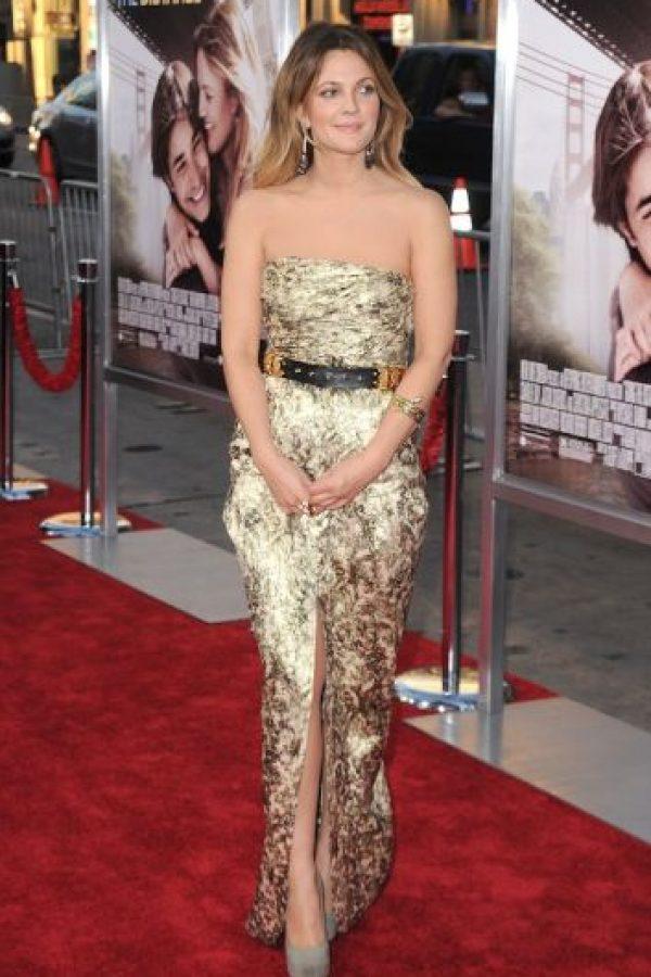 """Y aquí está Drew Barrymore en el estreno de la cinta """"Going the Distance"""" Foto:Getty Images"""