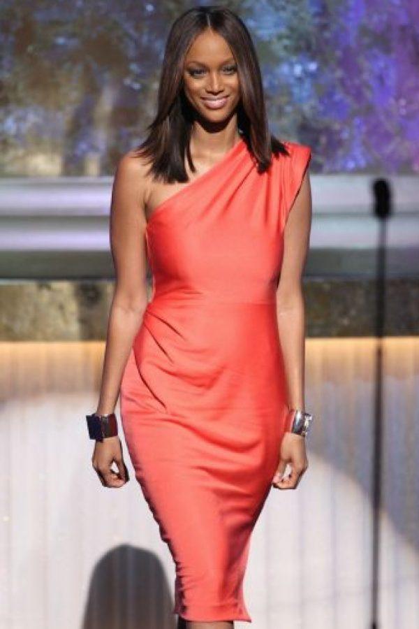 Y esta es Tyra Banks en la premiación de los Emmy Awards de 2009 Foto:Getty Images
