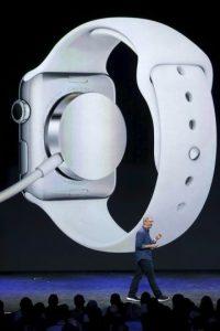 """""""Es el producto más personal que hemos creado, ya que es el primero diseñado para que lo lleves puesto"""", confirma la compañía Foto:Getty Images"""
