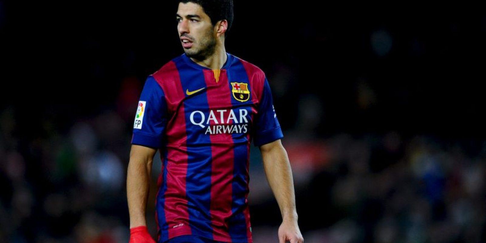 El uruguayo llegó a una tienda deportiva cuando nadie lo esperaba Foto:Getty