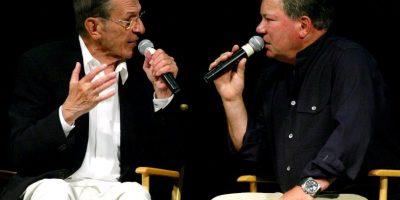 """Junto a su compañero en """"Star Trek"""", William Shatner Foto:Getty Images"""