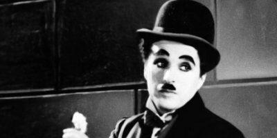 Charles Chaplin: dejó embaraza a la actriz Lita Grey, cuando tenía 15 años, tres después de haber empezado a trabajar en sus películas. Cuando el famoso director se dio cuenta de su falta de talento y se cansó de la joven, ofreció pagarle el contrato íntegro de la película que le había propuesto protagonizar, y le sugirió que abortara. La madre amenazó con denunciarlo por corrupción de menores, por lo que Chaplin cedió al chantaje y contrajo matrimonio con Grey. Foto:Getty Images