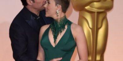 Scarlett Johansson rompe el silencio y habla del extraño beso de John Travolta