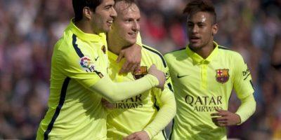 Barcelona vence 3-1 al Granada y mete presión al Real Madrid