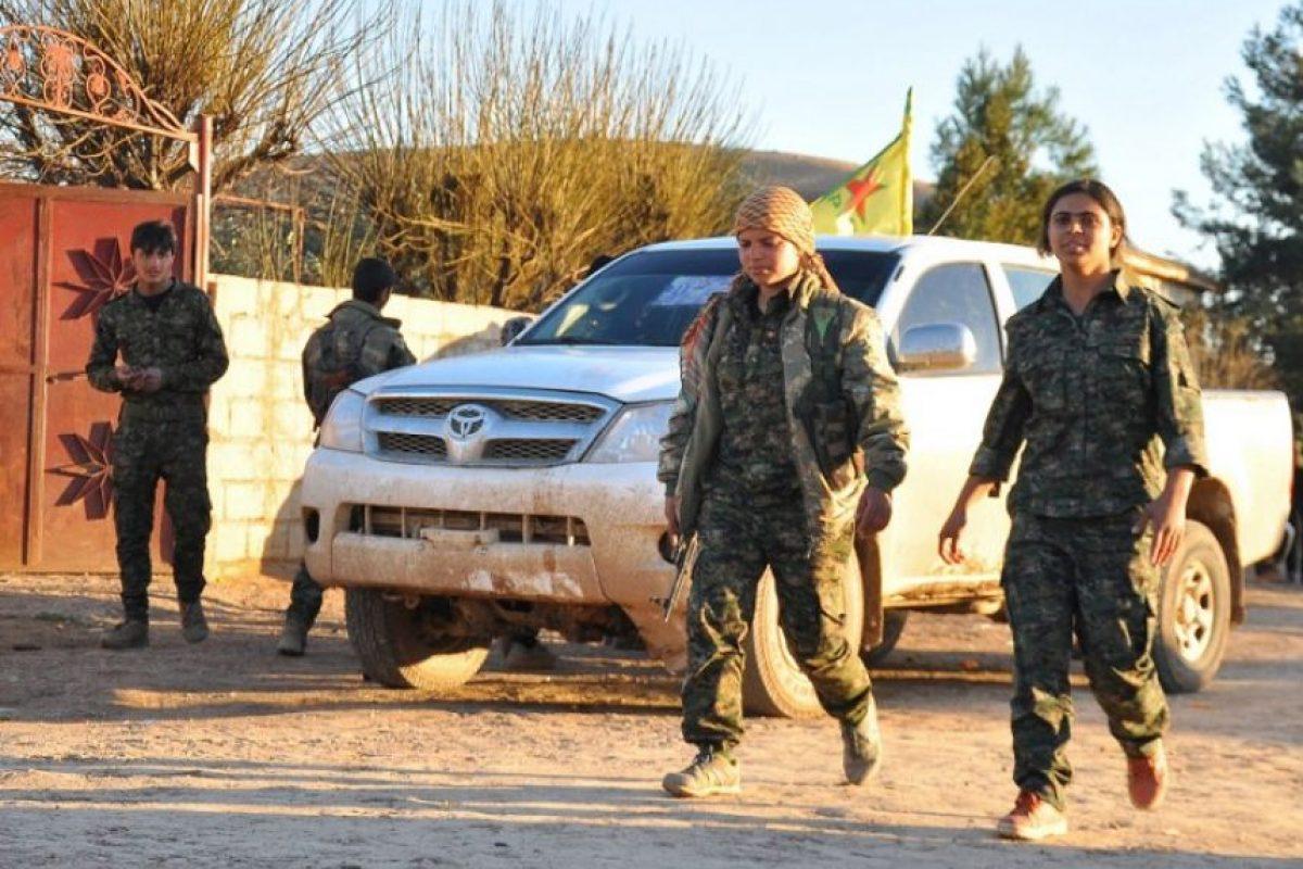 En la batalla contra ISIS, hombres y mujeres de Irak juegan un rol importante Foto:AFP