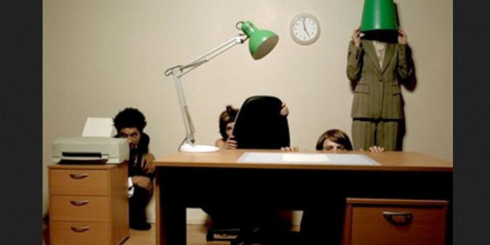 Él cree que todo va bien, sin embargo, entre los trabajadores se encuentra un ambiente de incertidumbre e inconformidad. Foto:Tumblr.com/Tagged-trabajo-oficina