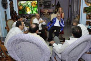 Sin embargo, esporádicamente publica artículos en la prensa oficial. Foto:granma.cu / Estudio Revolución