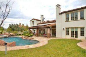 Se encuentra en Calabasas, California, cerca de Los Ángeles Foto:www.radaronline.com