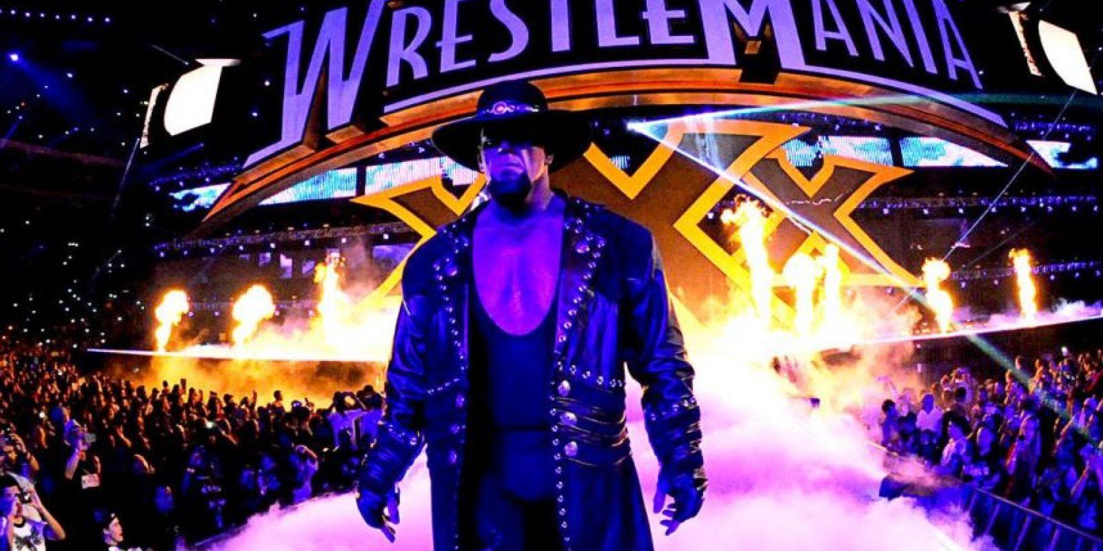 La leyenda viviente se caracteriza por sus entradas oscuras Foto:WWE