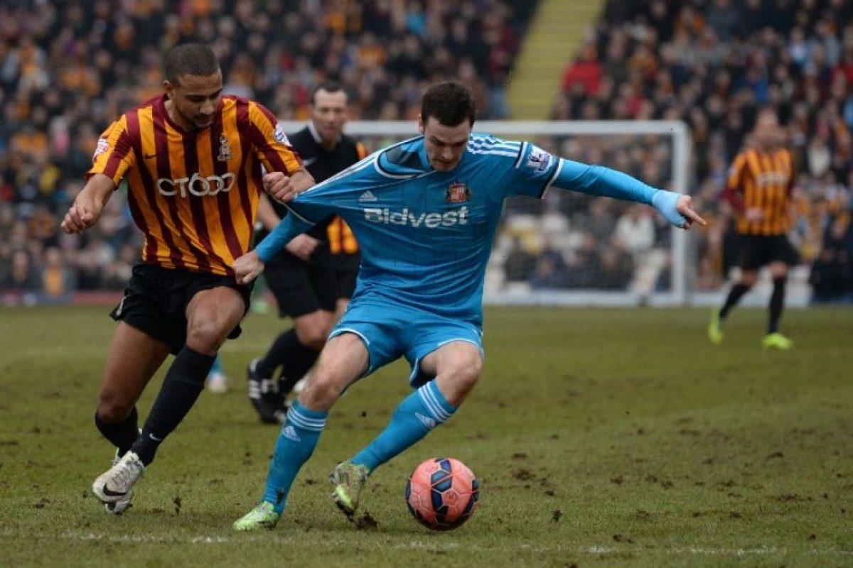 Adam Johnson es más noticia fuera del campo que por sus actuaciones con el Sunderland. Foto:AFP