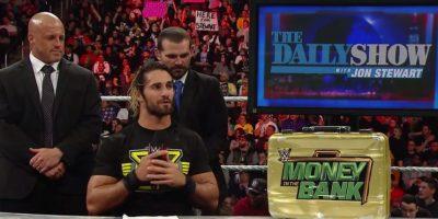 Continuó sus burlas contra Jon Stewart Foto:WWE