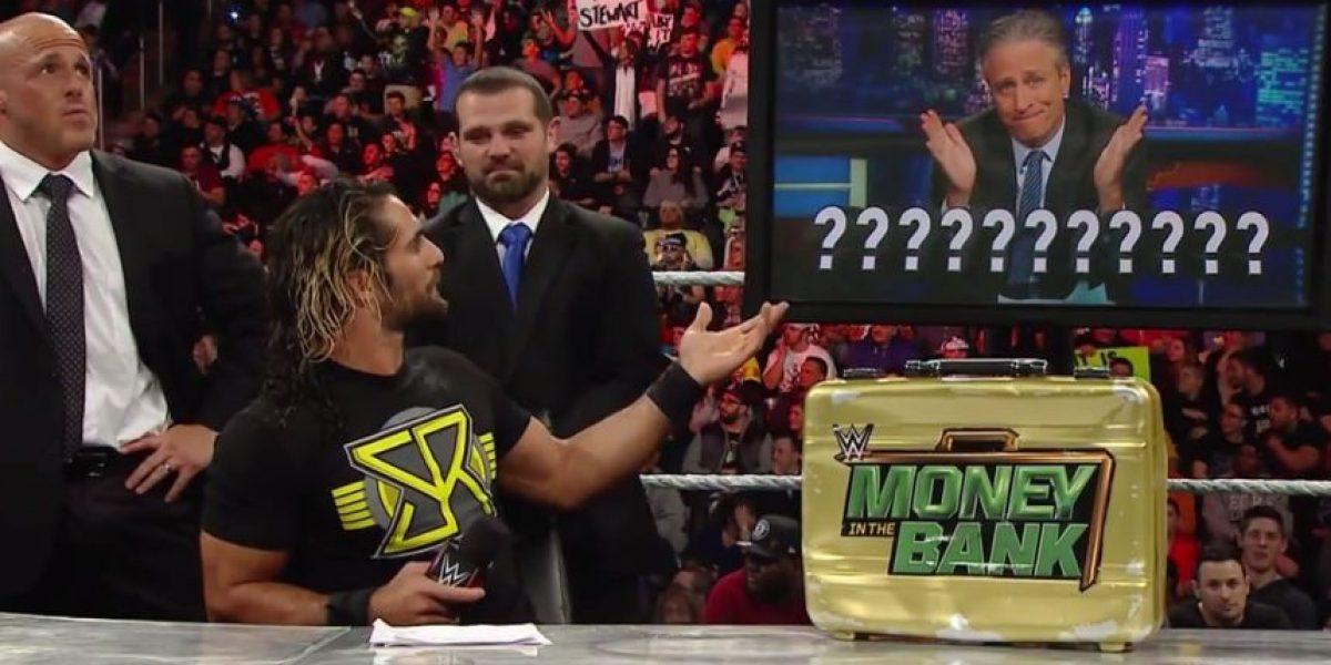 VIDEO: Famoso presentador de TV golpeó a luchador de la WWE