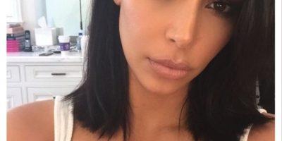 """""""Kim solía pedirle a un amigo que arreglara sus fotos, pero esto tomaría horas. Finalmente se decidió a contratar a un profesional que pueda trabajar las 24 horas, los siete días de la semana"""", explicó una fuente a esta publicación. Foto:Instagram/kimkardashian"""