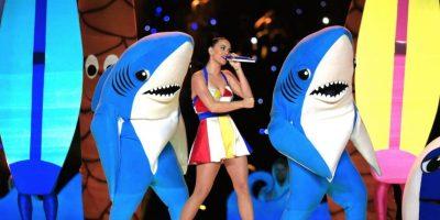 Después de su aparición en el show del medio tiempo del Superbowl, este par de tiburones causaron furor en las redes sociales Foto:Getty Images