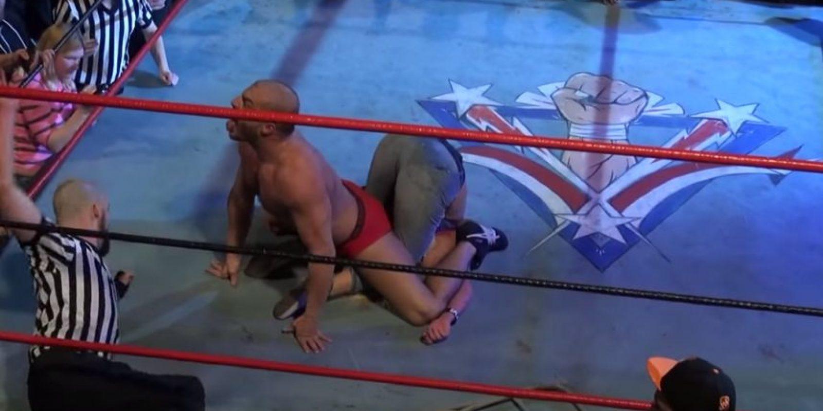 """Y la cubrió de una forma """"sexista"""" Foto:Youtube: Beyond Wrestling"""