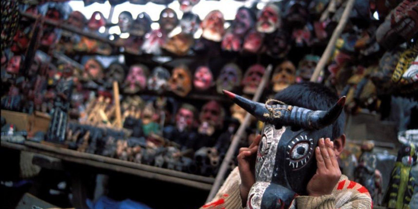 O las máscaras hechas a mano. Foto:http://www.buzzfeed.com