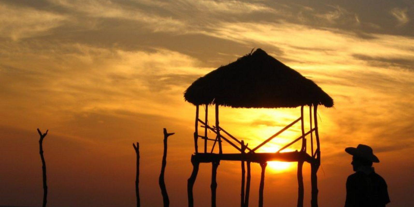 Los atardeceres en Monterrico son terribles, mejor quédate en casa a ver televisión. Foto:http://www.buzzfeed.com