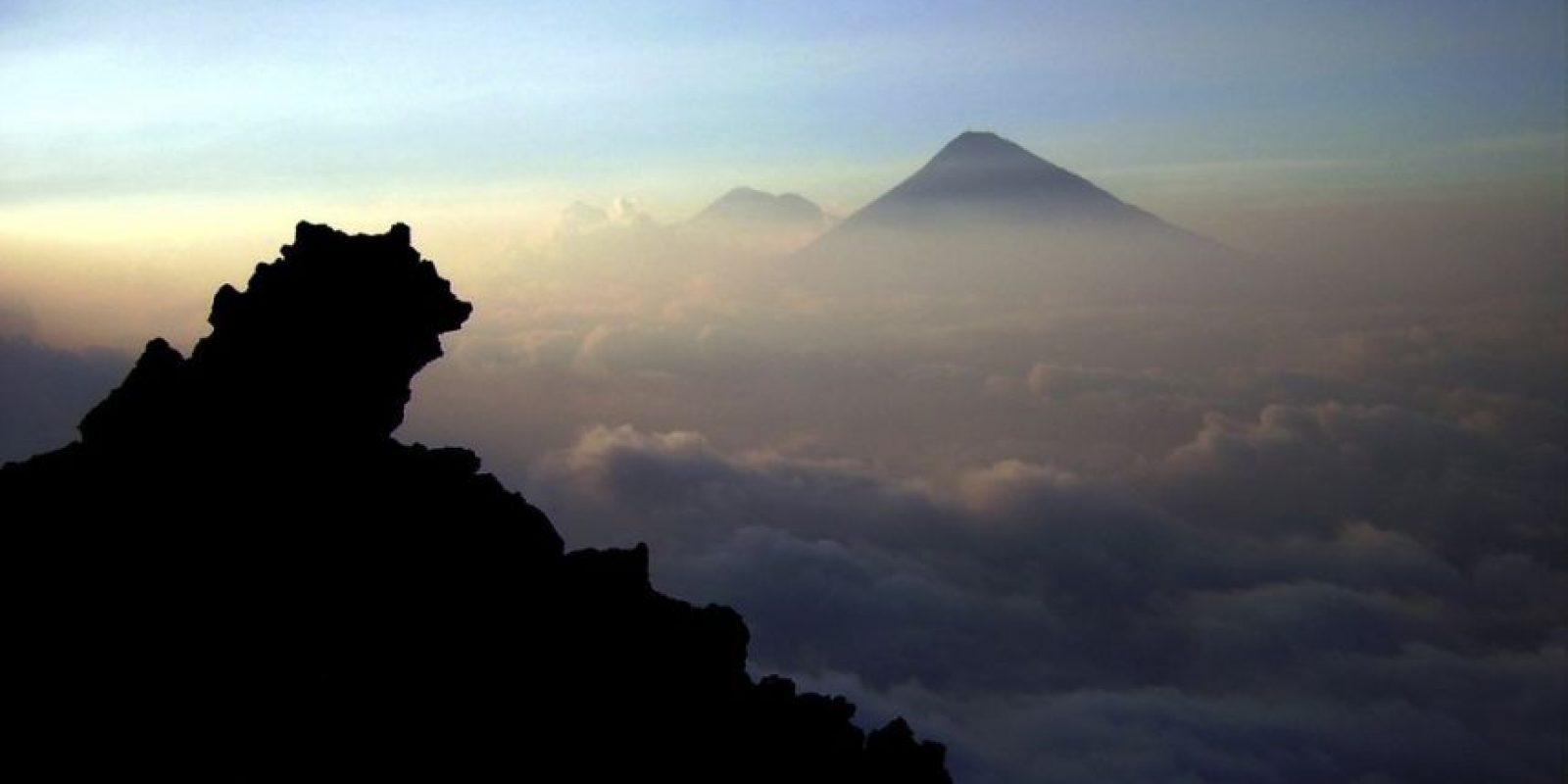 Guatemala posee 33 volcanes, 3 de los cuales están activos. Pero mejor no vayas a explorarlos porque te desilusionarás.