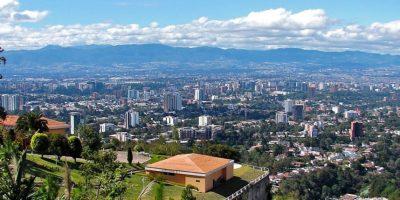 El mirador a la ciudad capital tiene la peor vista de la ciudad que te puedas imaginar. Foto:http://www.buzzfeed.com