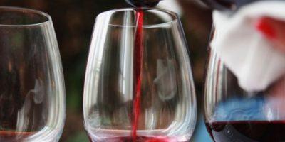Calcas vivió en el siglo 13. Tenía un viñedo y un vecino le profetizó que no viviría para disfrutarlo. Cuando las uvas maduraron, invitó a su vecino y murió luego de beber. Foto:Wikipedia