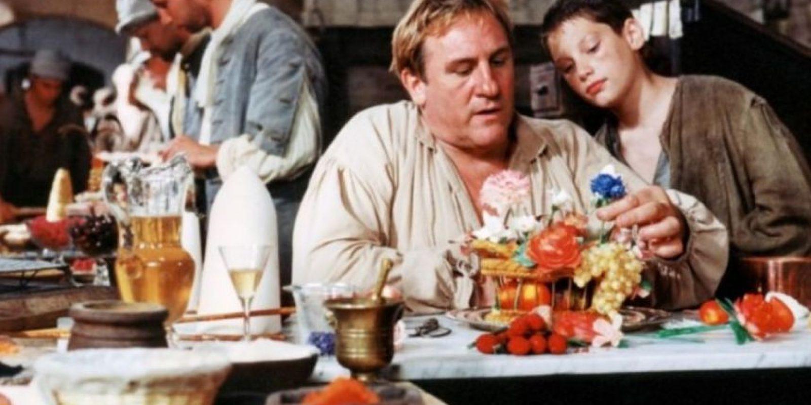 El organizador de banquetes de Luis XIV, murió al atravesarse el corazón porque no soportó que la langosta llegase al banquete del rey con retraso. Foto:Sherlock Pictures