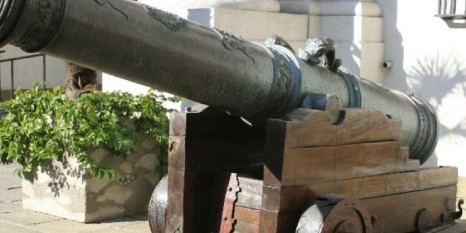 El marino canadiense del siglo XVIII John Kendrick murió de un disparo de un buque que salía a recibirlo. Foto:Wikipedia
