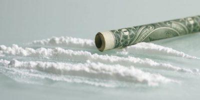 Problemas gástricos y paranoia son algunos de los efectos secundarios de la cocaína. Foto:Wikipedia