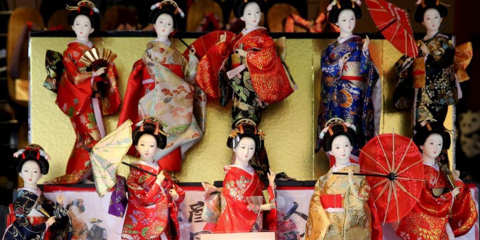 Algunas muñecas se colocan días antes de la celebración para que los turistas las admiren. Foto:Getty Images