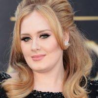 """En una entrevista con la revista """"Glamour"""", la cantante admitió: """"Yo solo lavo (mi cabello) con agua. Anoche me lavé el cabello con jabón por primera vez en dos meses"""". Foto:Getty Images"""