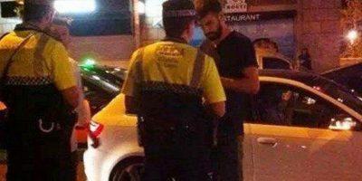 El defensa del cuadro culé fue captado durante la discusión con las autoridades. Foto:Publinews