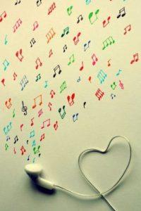 La duración de la exposición al ruido es uno de los principales factores que contribuyen al nivel total de energía acústica. Existen formas de minimizar la duración. Es aconsejable: Foto:Tumblr.com/Tagged-música