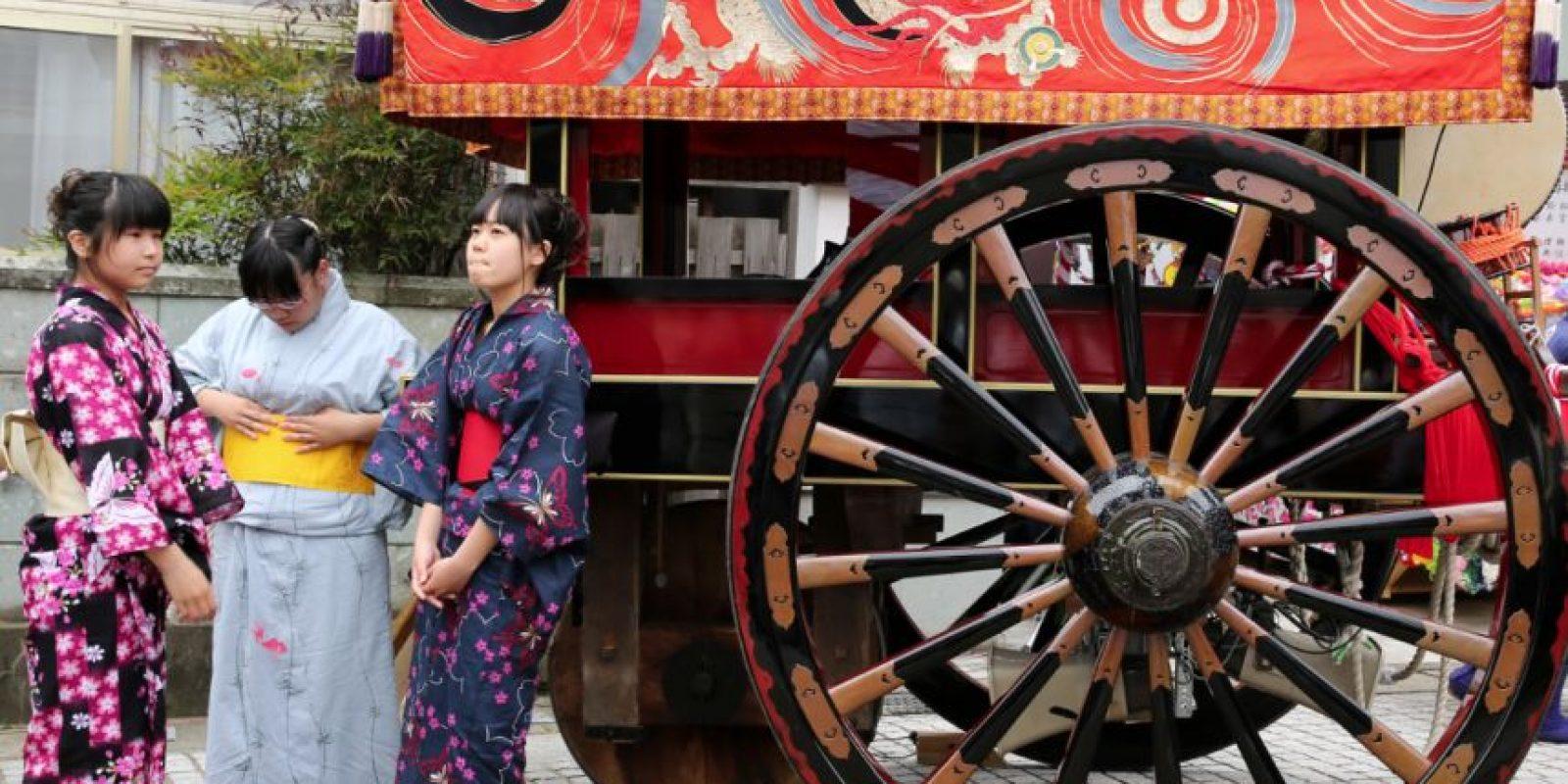Las jóvenes son las que más disfrutan esta tradición. Foto:Getty Images