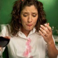 9. Mancharnos con algo justo antes de llegar a una cita importante. Foto:Tumblr.com/Tagged-mujer-molesta