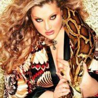 Ha sido estrella de realities, cantante y también actriz de cine. Tiene su propia revista. Foto:Velvet D' Amour/Facebook