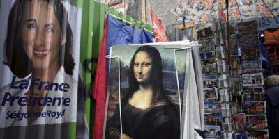 Se venden infinidad de recuerdos con la imagen de la Mona Lisa. Foto:Getty Image