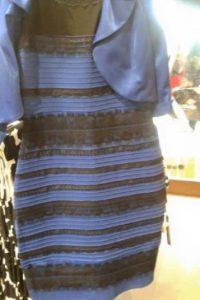 Esta es la imagen original del polémico vestido negro con azul que algunos ven blanco con dorado Foto:Tumblr