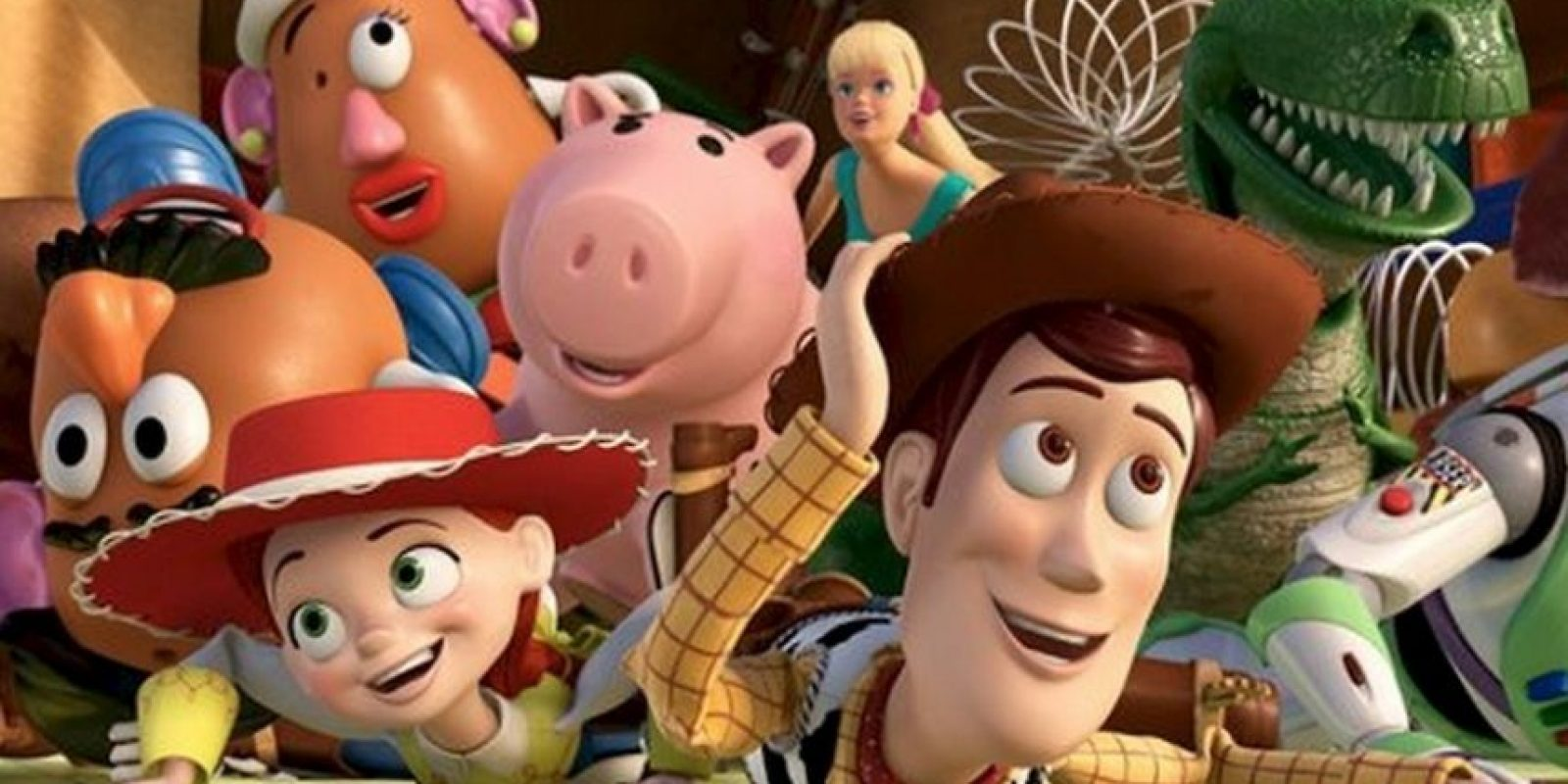 Muchos de los libros en la estantería de la habitación de Andy son los nombres de los cortometrajes de Pixar (Las aventuras de André y Wally B., Knick Knack, etc) y algunos de los libros del autor llevan el nombre del personal de la compañía Foto:Disney