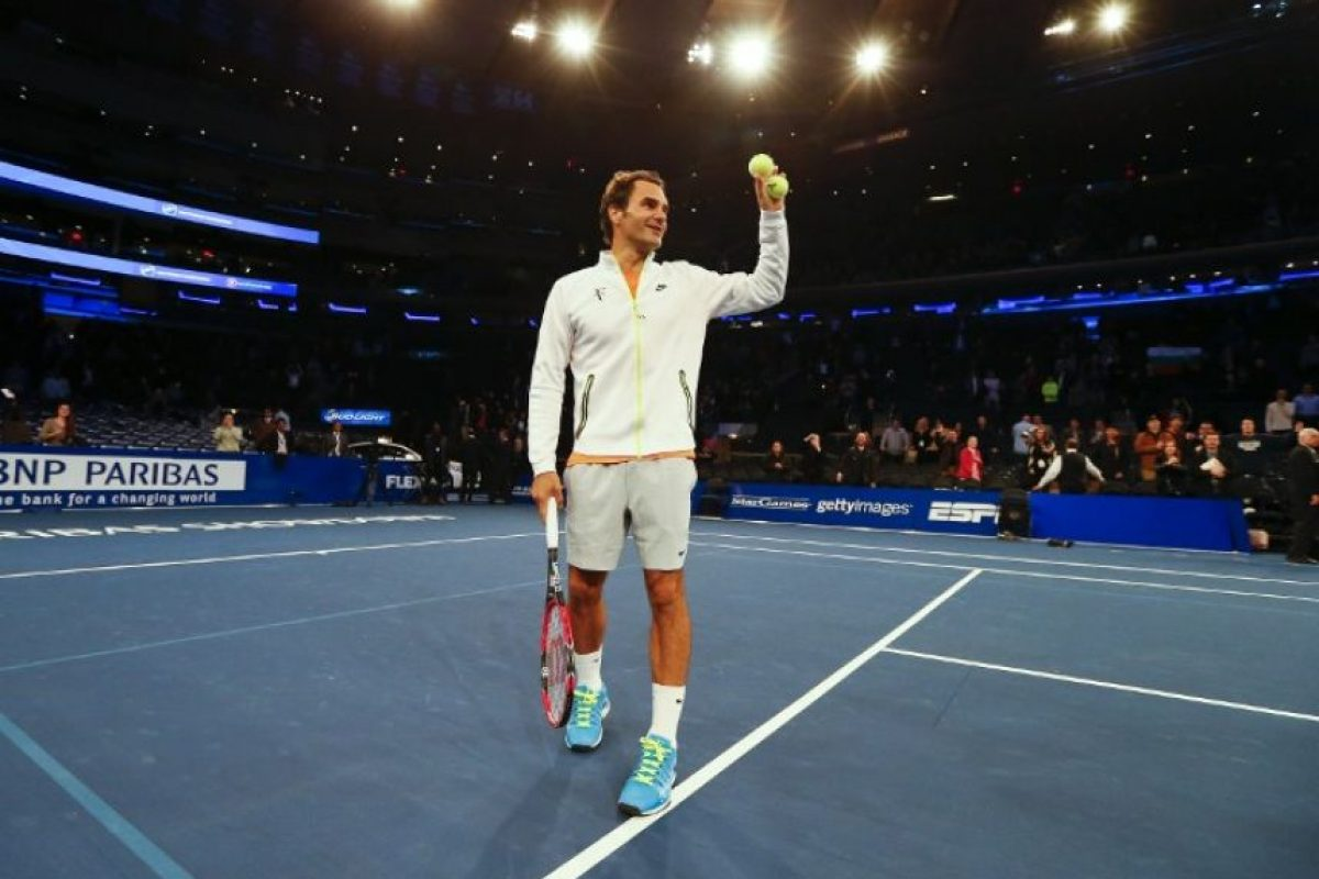 Federer y Dimitrov se ganaron los aplausos del público durante su juego de exhibición. Foto:AFP